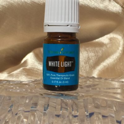 Unboxing White Light Christmas Tree Scent Sticks – Young Living Holiday Catalog 2017